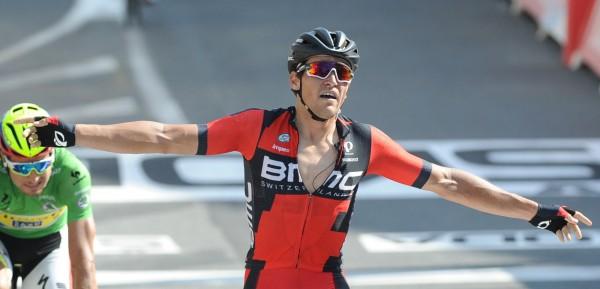 Van Avermaet krijgt zijn armen niet verder omhoog - foto: Sirotti