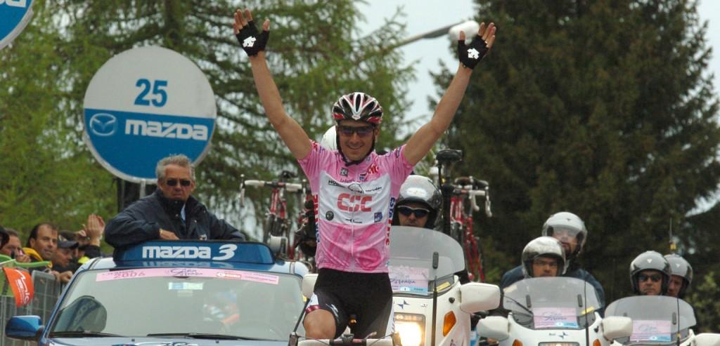 Winnen in het roze tijdens de Giro van 2006. Foto - Sirotti