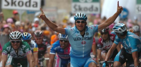 Förster troeft Hushovd en Petacchi af in Frascati in de Giro van 2007- Foto: Sirotti