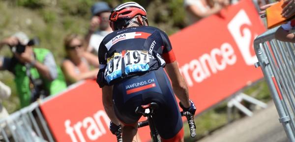 In 2014 sloot Pineau dertien jaar Tour de France af in het shirt van IAM - foto: Sirotti