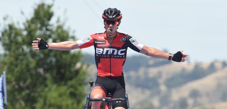 Richie Porte voor vijfde maal op rij de beste op Willunga Hill, Slagter derde
