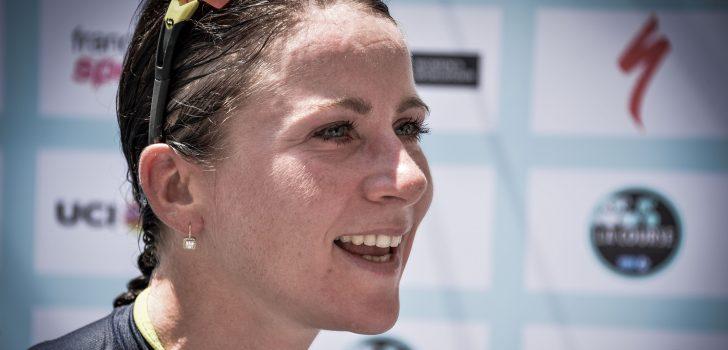 Amanda Spratt soleert naar eindwinst in Emakumeen Bira