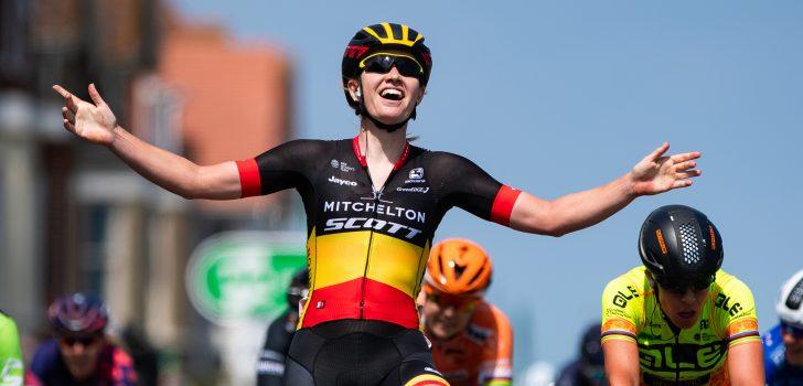 Jolien D'hoore wint derde etappe Giro Rosa, Kirsten Wild tweede