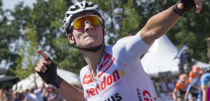 Mathieu van der Poel verlengt contract bij Corendon-Circus tot eind 2023